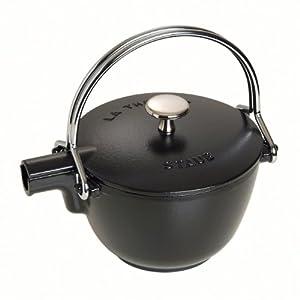 Staub Teekanne/Wasserkessel, rund (16,5 cm, 1,15 L mit mattschwarzer Emaillierung Im Inneren des Kessels) schwarz