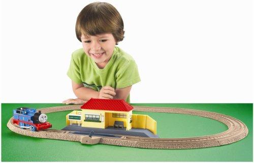 Thomas the Train: TrackMaster Thomas Rides the Rails Starter Set