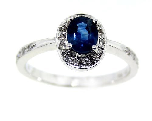 18k White Gold Diamond and Sapphire Ring (Dia .15 & Sap 0.53ct)