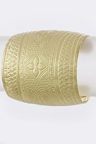 Baubles & Co Tribal Motif Convex Cuff (Matted Gold)