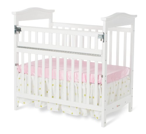 Foundations Worldwide The Princeton Clear Choice Mini Crib with Safereach Side, White - 1