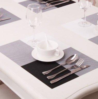 Kloud City ® 2 Pcs Black & White Grid Pattern Chromatic Pvc Weave Heat Insulation Anti-Skidding Dining Room Placemat Table Mat