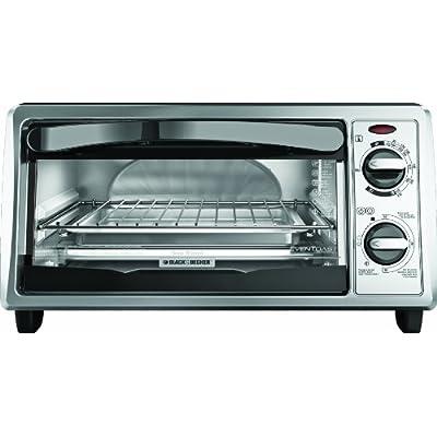 Black & Decker TO1332SBD 4-Slice Toaster Oven