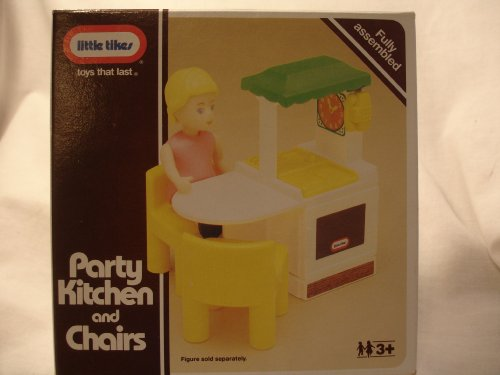 Little Tikes Party Kitchen And Chairs front-49055