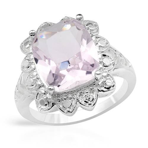 Cocktail Ring With Simulated gems Beautifully Crafted in 925 Sterling silver. Total item weight 5.1g (Size 7.5)