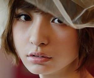 篠田麻里子『Yes and No Mariko Shinoda』