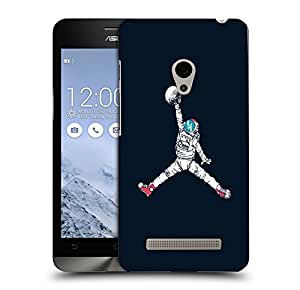 Snoogg Astronaut Playing With Ball Designer Protective Back Case Cover For ASUS ZENFONE 6