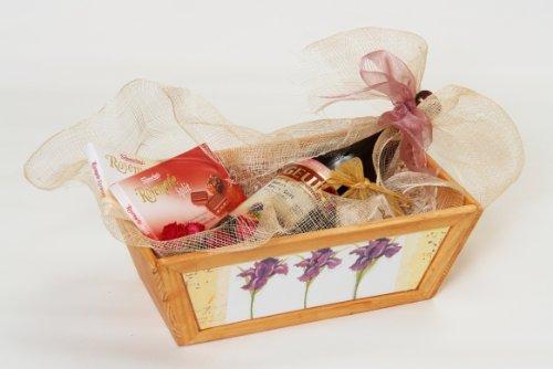 Kosher Gift Basket - Passover Wine & Chocolates (Israel)