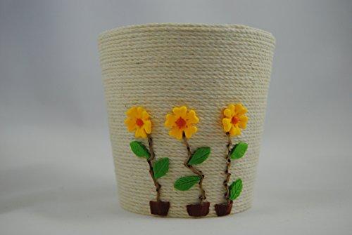 vaso-decorado-con-flores-color-amarillo