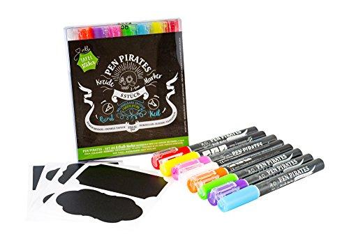Pen Pirates Kreidemarker 8 Stück 2-4 mm inkl. Vinyl-Tafelsticker und Ersatzspitzen in Rund / Keil, flüssige bunte Kreide-Stifte in satten bunten Farben leicht abwischbar