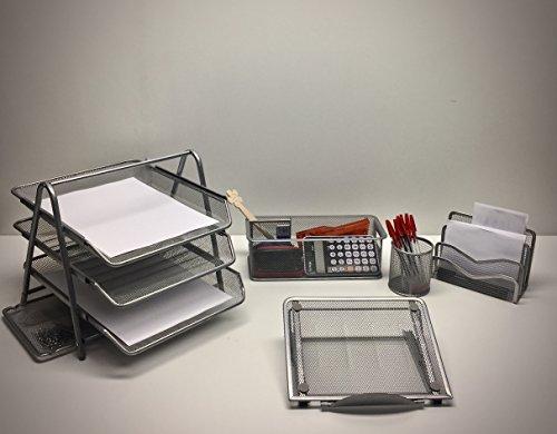 SET SCRIVANIA UFFICIO 5 PZ. - vaschetta portacorrispondenza + set composto da portapenne, portaoggetti, sparticarte + supporto da tavolo per tablet/laptop. Realizzati completamente in metallo, finitura color alluminio