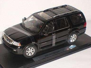 lincoln-navigator-2005-schwarz-black-suv-metallmodell-1-18-welly-modellauto-modell-auto