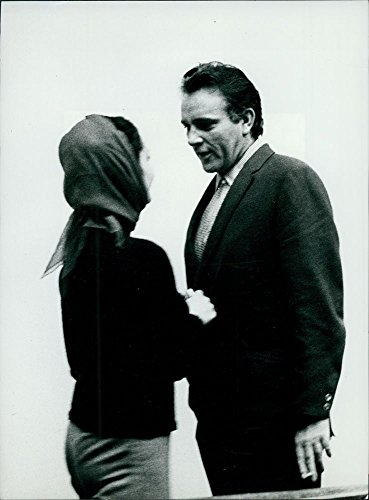 Original Vintage Photo Of Richard Burton With Elizabeth Taylor.Original Vintage Photo Of Robin Douglas front-1018658