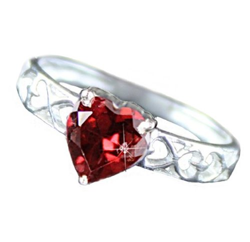 .925 Sterling Silver Garnet Heart Ring (8)