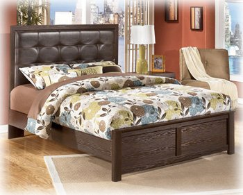 Signature Design by Ashley - Aleydis Queen Panel Bed