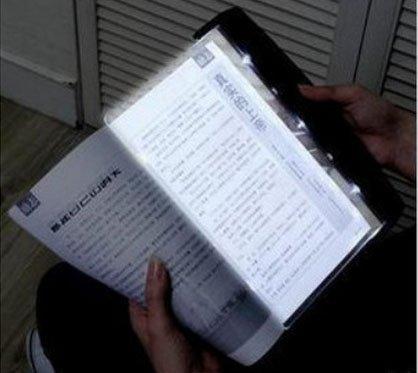 efbock-lightwedge-paperback-luz-del-libro