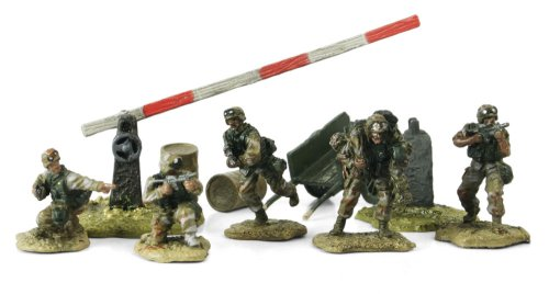 Buy Low Price Panache Place Unimax forces of Valor 1:72Nd Scale U.S. 4Th Infantry Division Figure (B001IYIIW4)