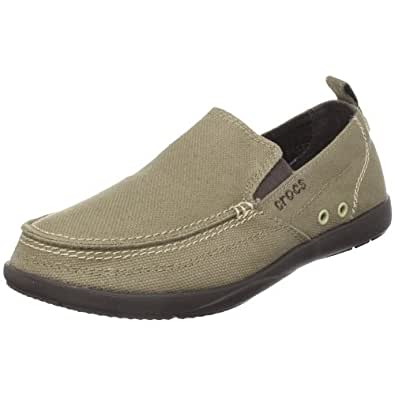 Crocs are the very definition of comfort when it comes to shoes. Just as comfortable is the shopping experience of buying Crocs online on Myntra. Whether you are looking for classic Crocs for yourself or unisex flip-flops for your friend, your search ends at Myntra. So, dive in right away and get some amazing Crocs in your cart!
