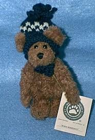 "Boyds Bears ""Boris Berriman"" with Knitted Toboggan Hat (918021)"