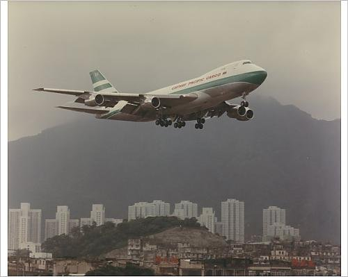 photographic-print-of-boeing-747-of-cathay-pacific-over-kai-tak-airport-hong-kong