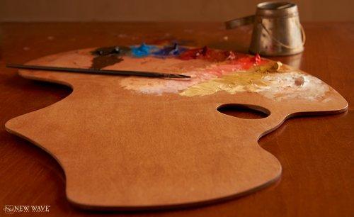 Artist Palette: Expressionist Confidante Style for Left Handed Artists