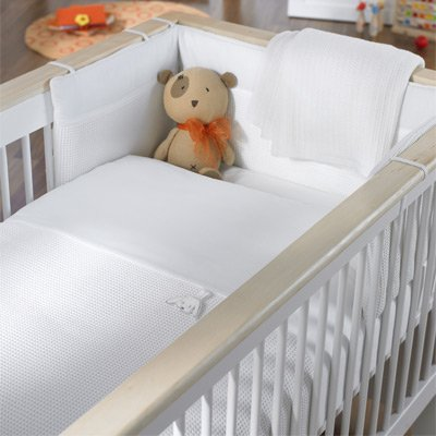 Izziwotnot White Gift 5 Piece Quilt Bedding Bale, Cot/Cot Bed