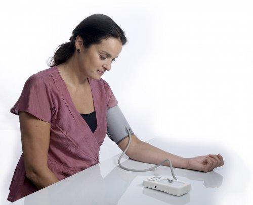 Omron HEM-7300-WE MIT Elite Oberarm-Blutdruckmessgerät - 3