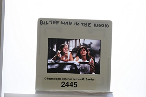 slides-photo-of-reese-witherspoon-and-emily-warfield-in-the-film-the-man-in-the-moon