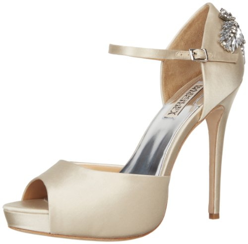 Badgley Mischka Women&#8217;s Nessa Pump,Vanilla Satin,6.5 M US