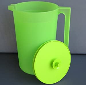 Tupperware Classic 1 Gallon Size Pitcher with Push Button Seal - Green