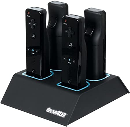 Dreamgear DGWII-3119 Quad Dock for Nintendo Wii