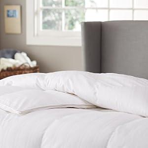 Pinzon Signature Pyrenees Hypoallergenic Medium Warmth White Goose Down Full/Queen Comforter