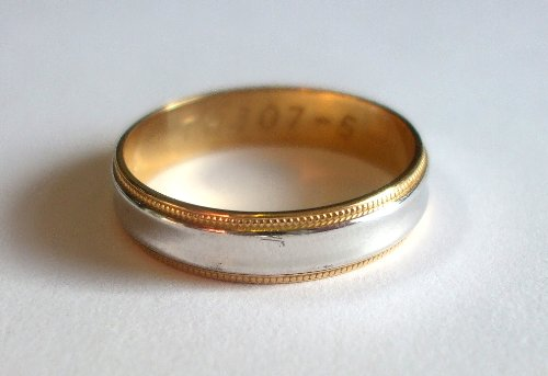 5MM YELLOW AND WHITE GOLD MILLGRAIN EDGE GENTS WEDDING RING NEW EX SHOP STOCK!!