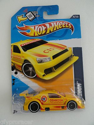 2012 HOT WHEELS AMAZOOM HW MAIN STREET 169/247 9/10 OSHKOSH FIRE DEPT - YELLOW WITH RED