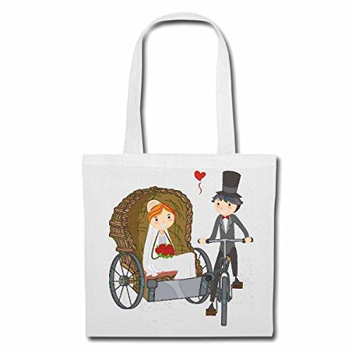 sac-a-bandouliere-couple-de-mariage-avec-velo-de-montagne-de-bicyclette-reparation-ritchka-cyclisme-