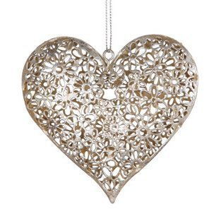silver-daisy-heart-decoration-shabby-chic-vintage-style