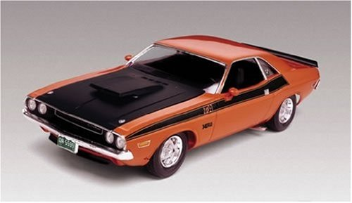 plastic-model-kit-70-dodge-challenger-t-a-2-in-1-124