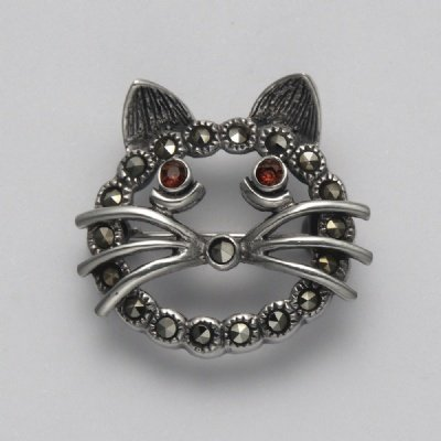 Marcasite with Garnet Open Face Circle Cat Pin