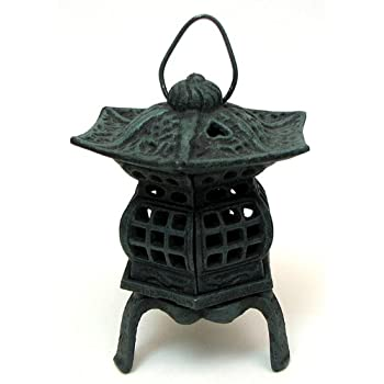 IWGAC 0170S-14019 Cast Iron Footed Pagoda Lantern