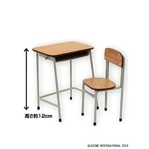 学校の机とイス ベージュ