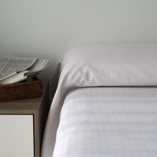 Colcha blanca Laura para cama de 90 cm