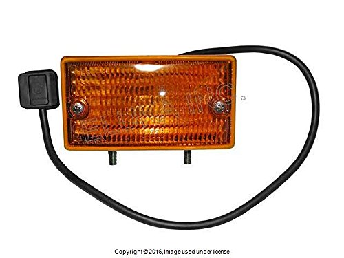 Mercedes-Benz Front Left Turn Signal Assembly - Below Bumper 380 SL 380 SLC 450 SL 450 SLC 560 SL (Slc 450 compare prices)