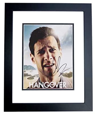 Justin Bartha Autographed / Hand Signed HANGOVER 8x10 Photo - BLACK CUSTOM FRAME