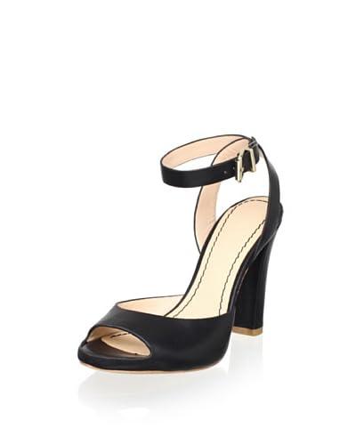 Pour La Victoire Women's Violeta Sandal  [Black]