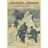Capodanno in alta montagna: gruppo di sciatori in cordata su montagna innevata.