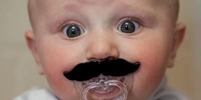 bitten Moustache Pacifier ムスタッシュ パシファイアー [ ひげ おしゃぶり ]