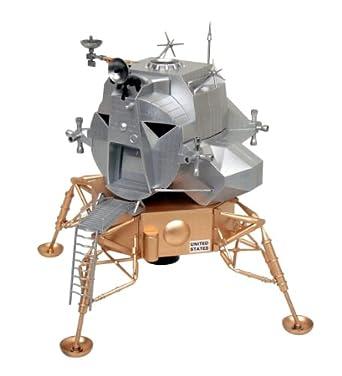Amazon.com: Aoshima Apollo Lunar Module Eagle-5 Model Kit ...