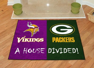 House Divided: Minnesota Vikings - Green Bay Packers Rug front-528159