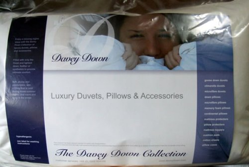 10.5 Tog White Feather  &  Goose Down Duvet King Size *** All Daveydown products are sent on a Next Working Day Courier Service