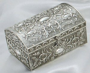 ANTIQUE SILVER CHEST BOX WITH FLORAL DESIGN